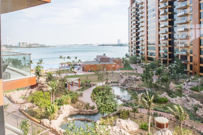 Dream Inn - Tiara Palm Residence 3BR Apartment - image 10
