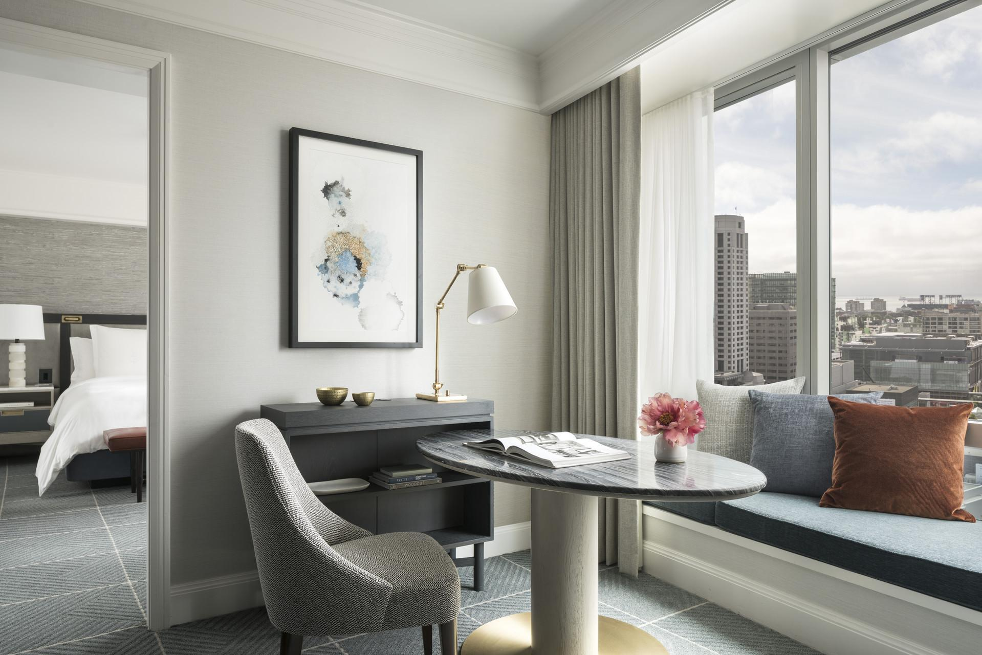 Superior Four Seasons Executive Suite