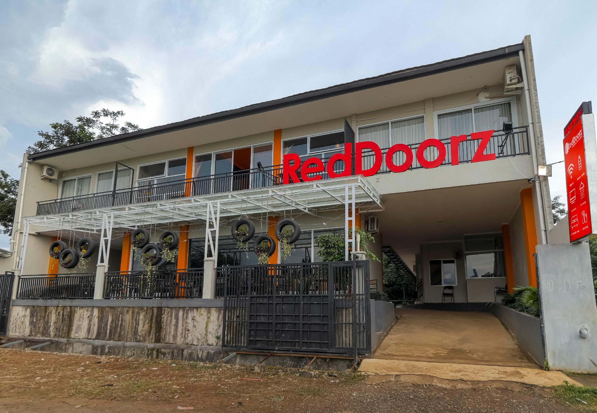 RedDoorz near Exit Tol Bogor