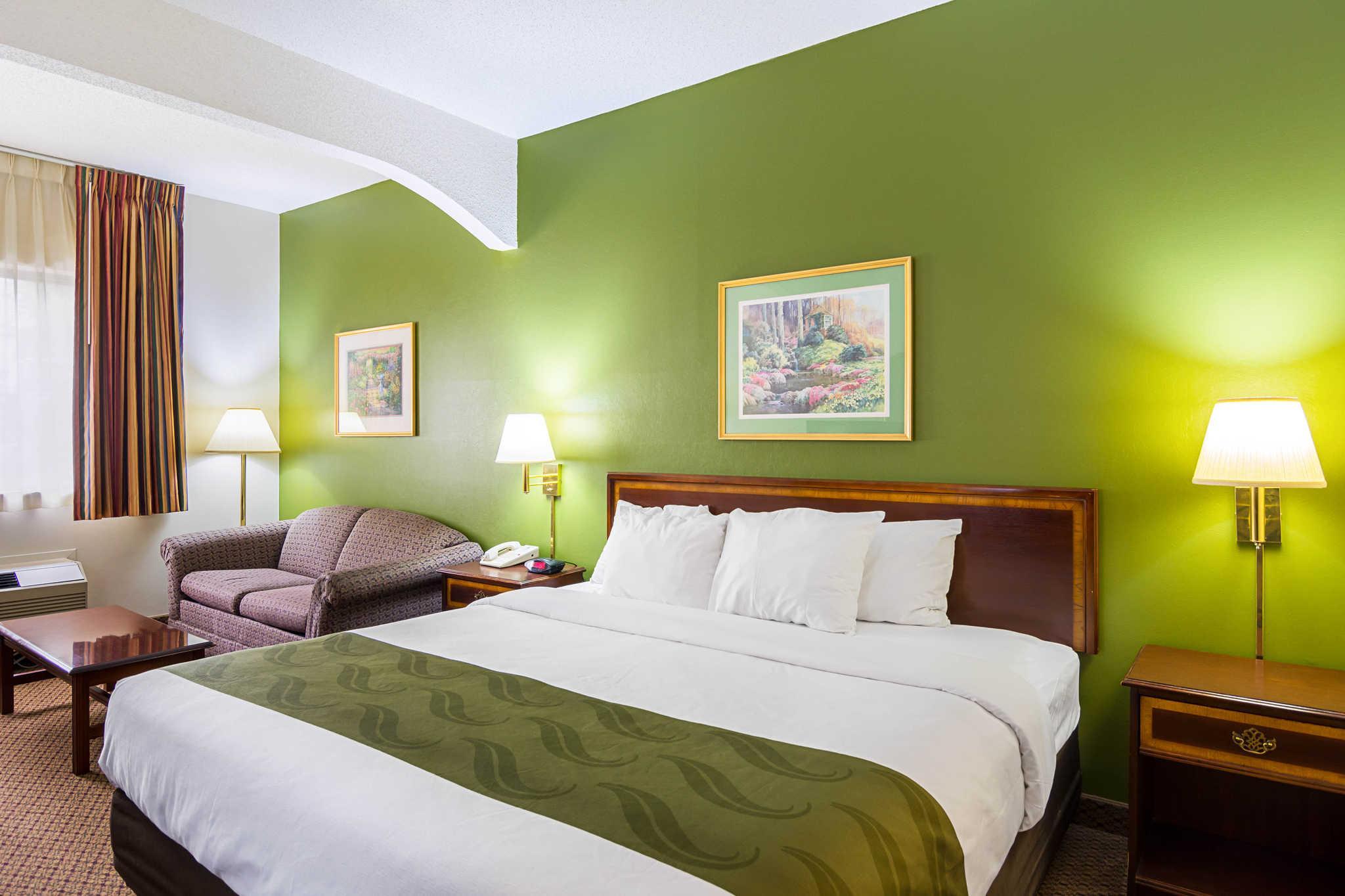 Quality Inn and Suites Kearneysville - Martinsburg, Berkeley