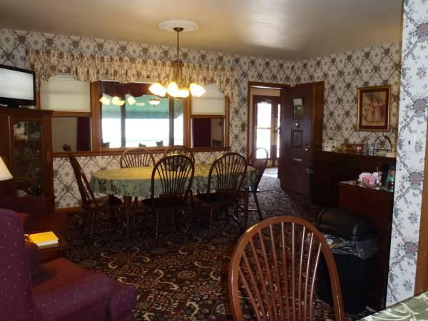 Glass House Inn, Erie