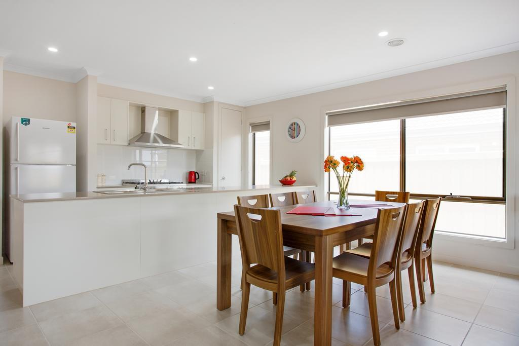 Serviced Houses - Point Cook, Wyndham - South