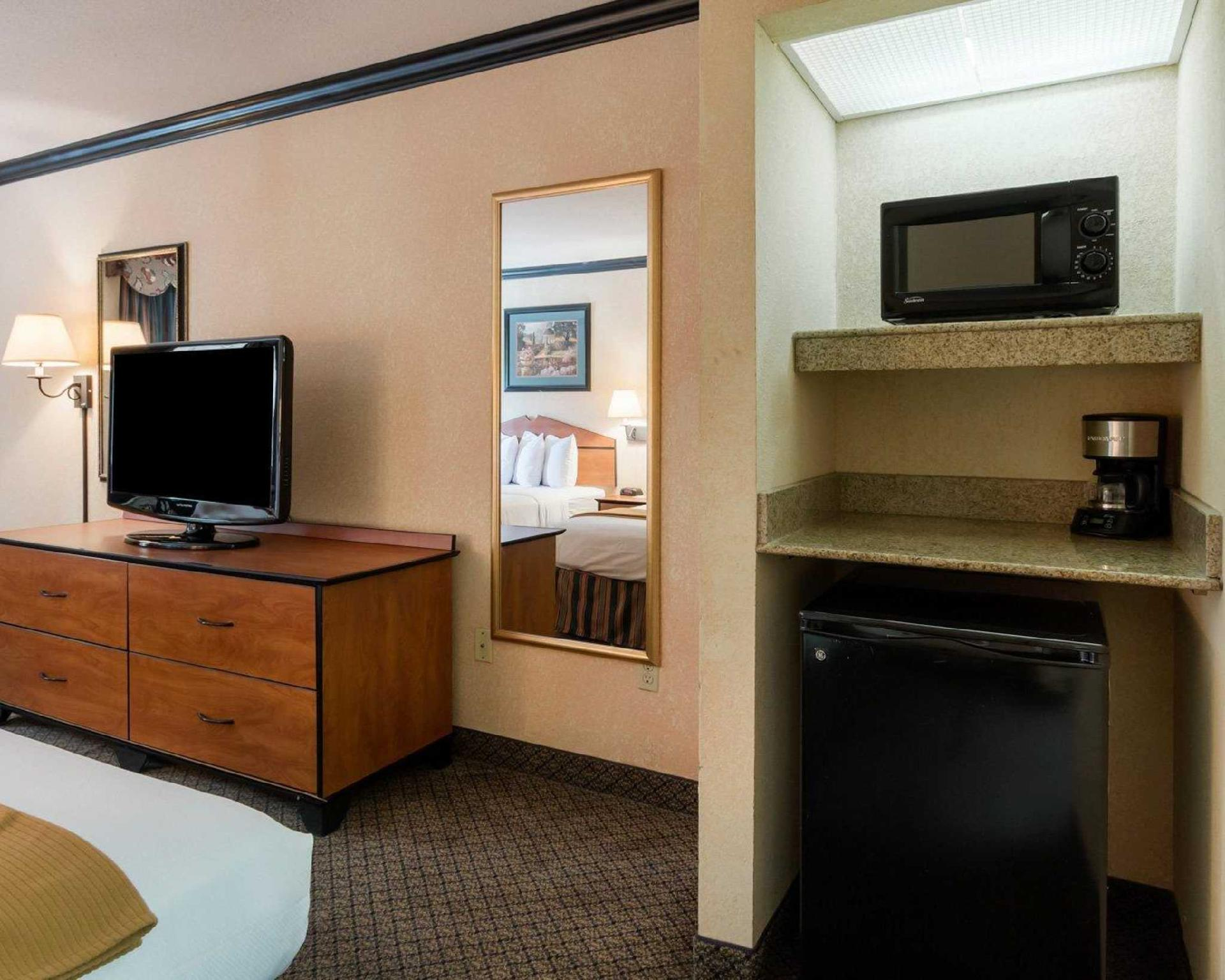 Quality Inn & Suites, Angelina