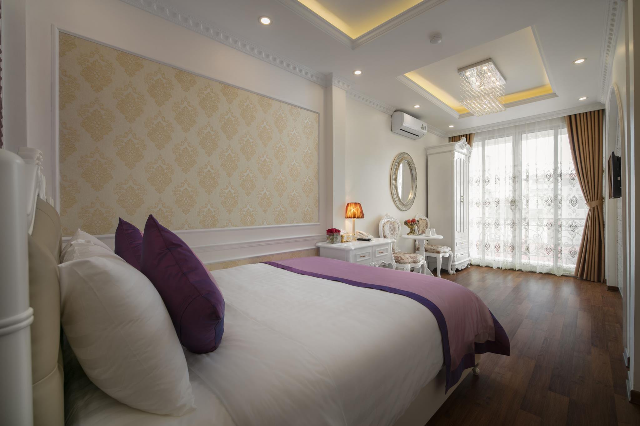 Viola Royal Hotel & Spa, Hoàn Kiếm