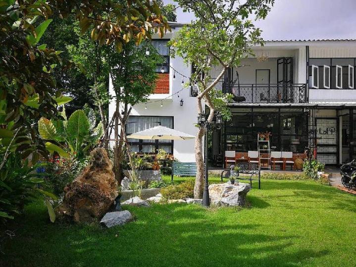 Sherloft Home & Hostel
