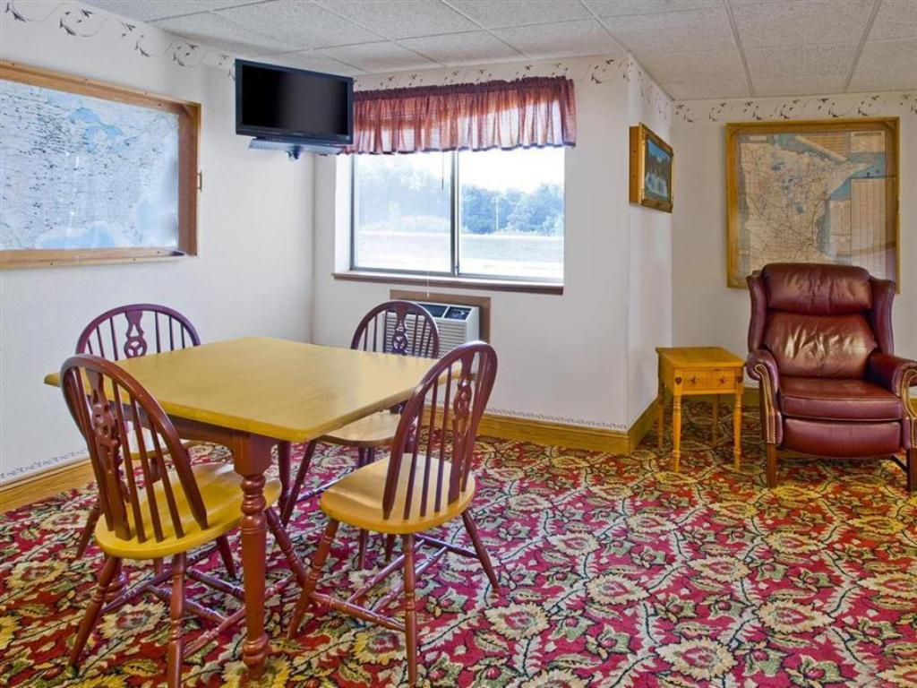 Americas Best Value Inn Park Falls Best Price On Americas Best Value Inn Morton Redwood Falls In