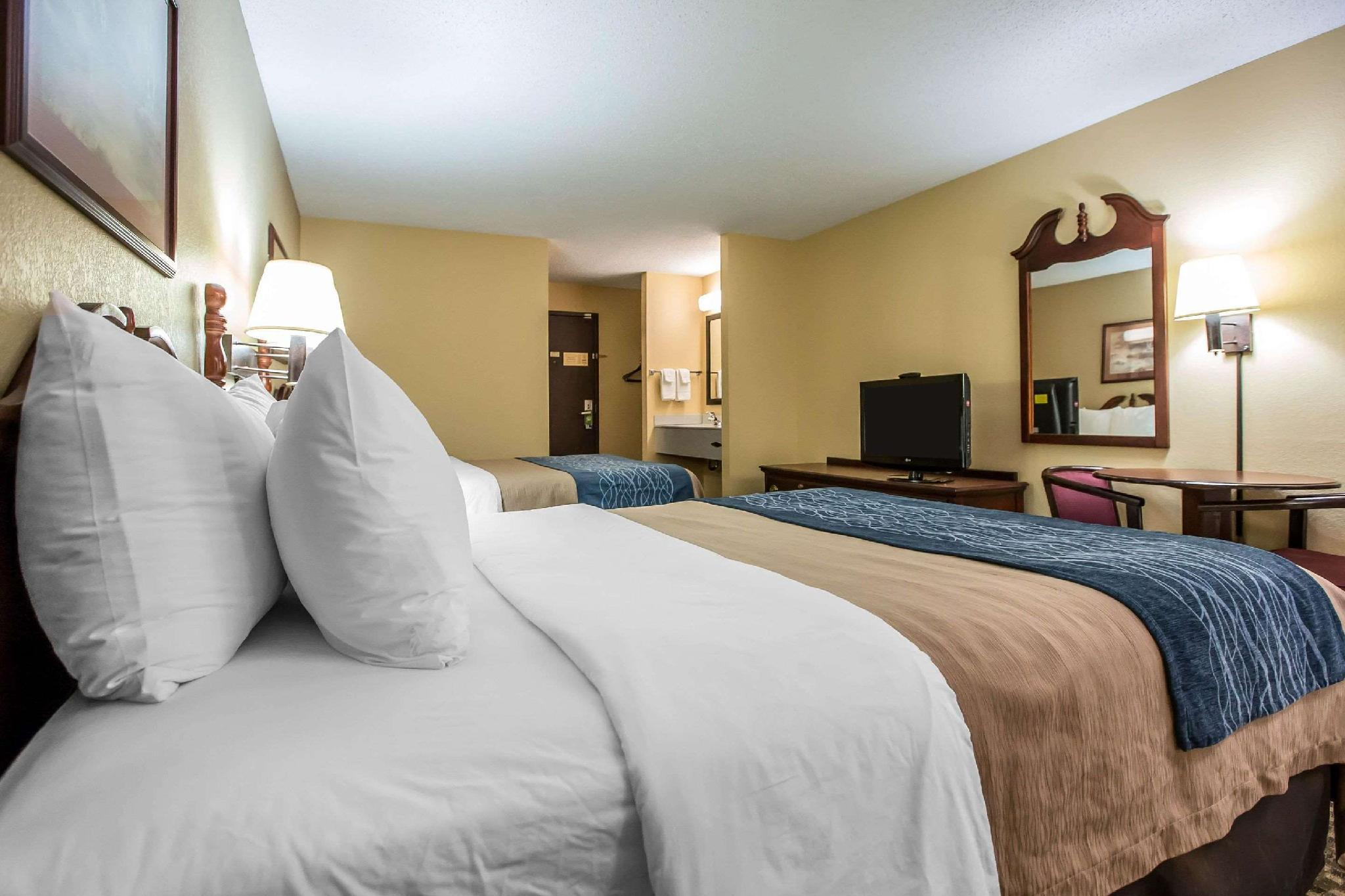Quality Inn & Suites, La Salle