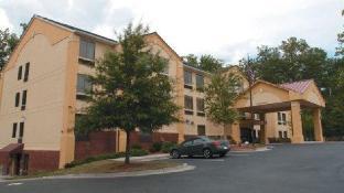 La Quinta Inn Suites Snellville Stone Mountain