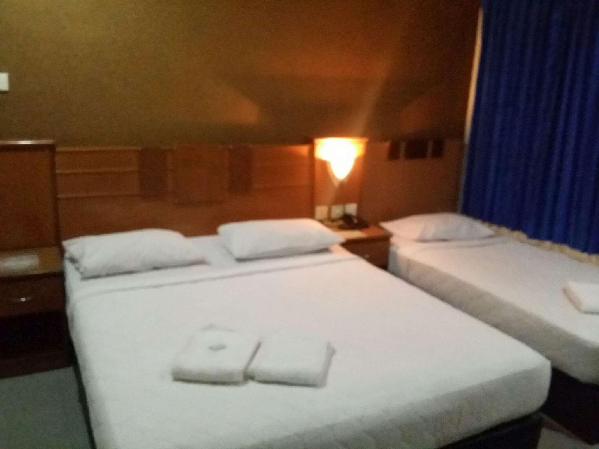 Golden Hotel, Karimun