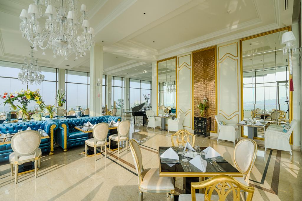 Art Deco Luxury Hotel and Residence