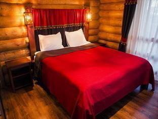 Praha Accord Hotel, Uzhhorods'ka
