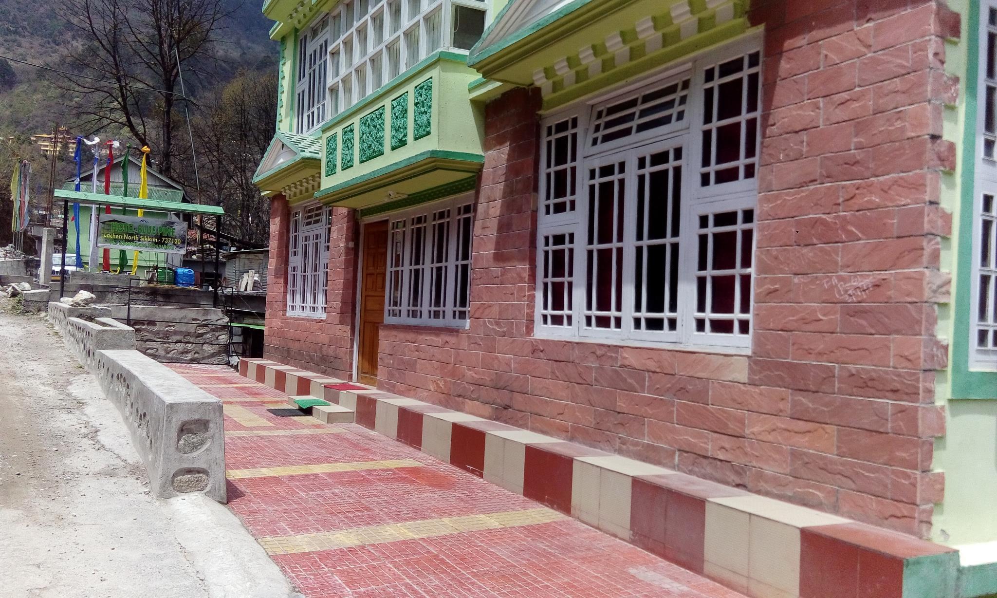 Hotel Blue Pine Lachen, North Sikkim
