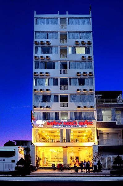 Khách sạn Mây Ngũ Sắc