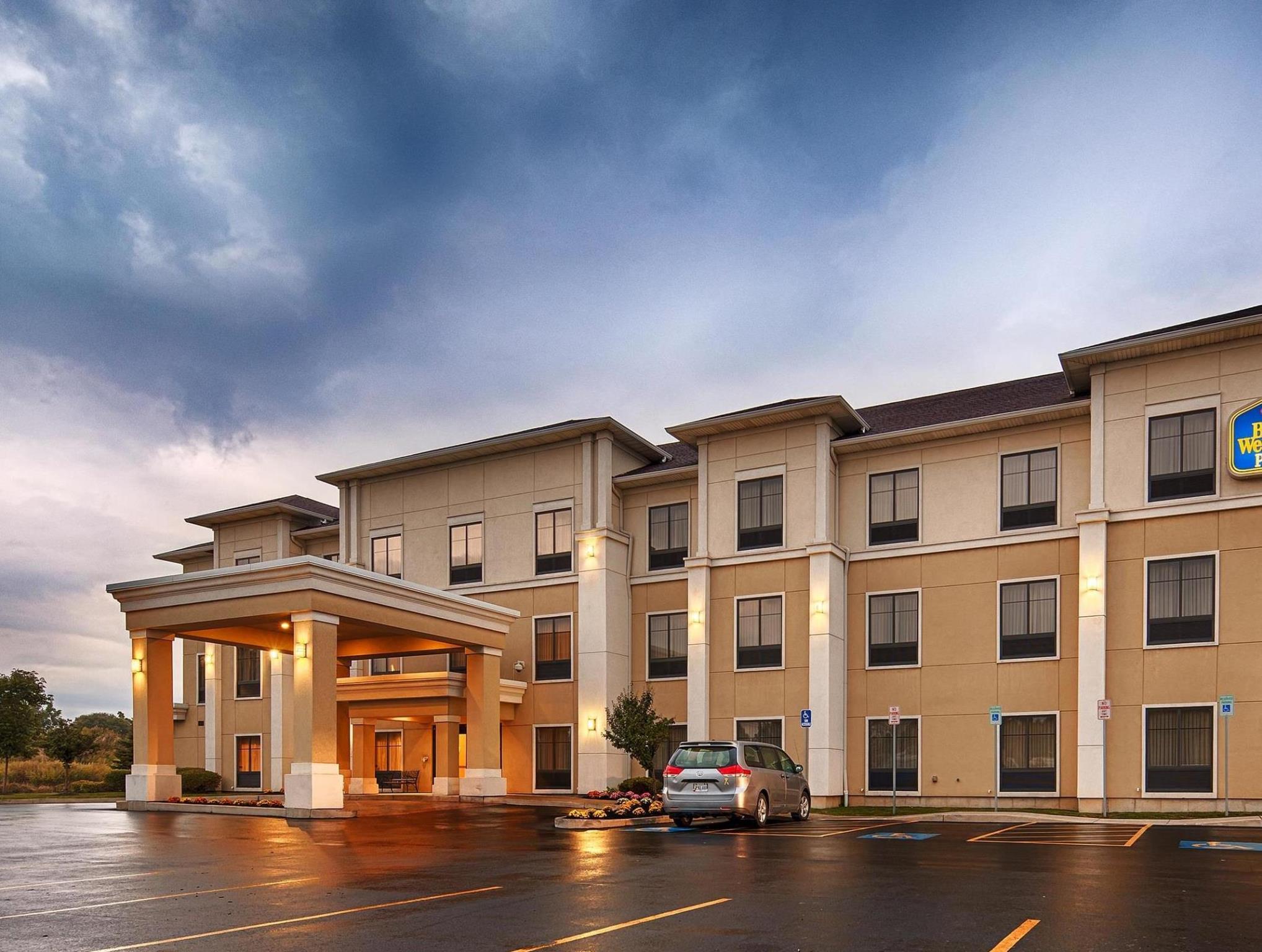 La Quinta Inn & Suites by Wyndham Lackawanna, Erie