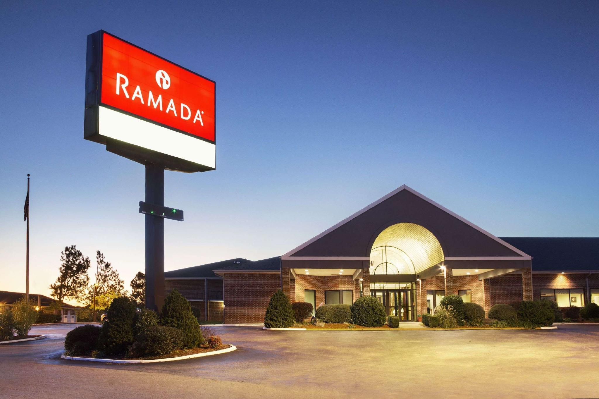 Ramada by Wyndham Batesville, Independence