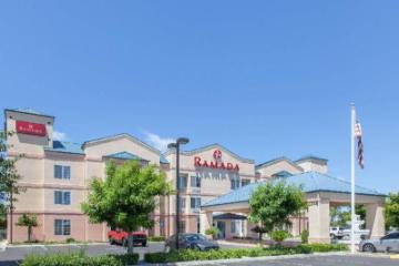 Ramada by Wyndham Fresno Northwest