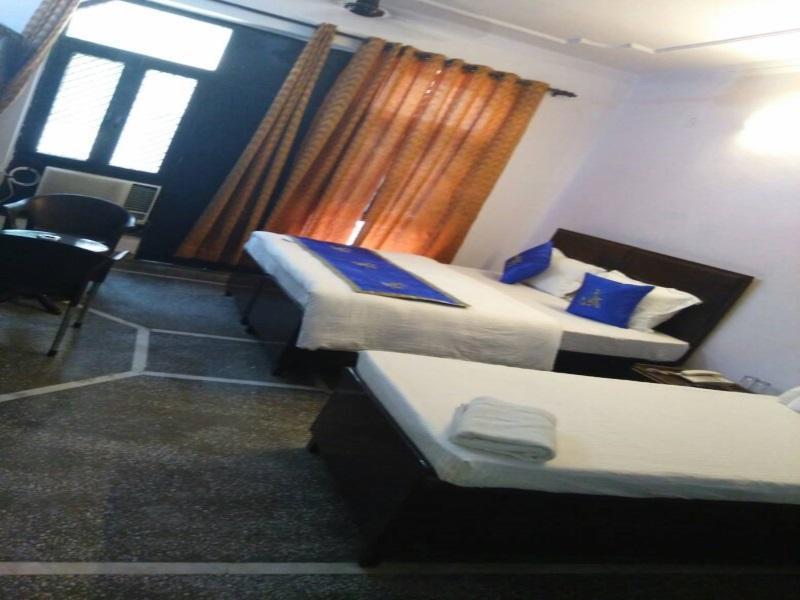Hotel Heights Dwarka, West