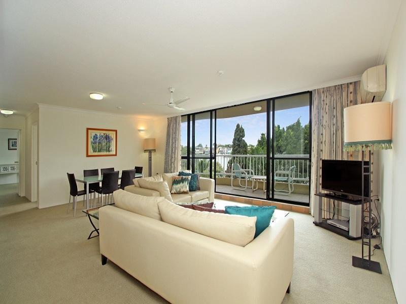Kirribilli Riverfront Apartments, New Farm