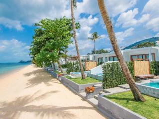 Villa avec piscine en bord de mer à la baleine blanche