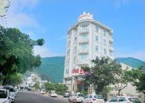 King Hotel.
