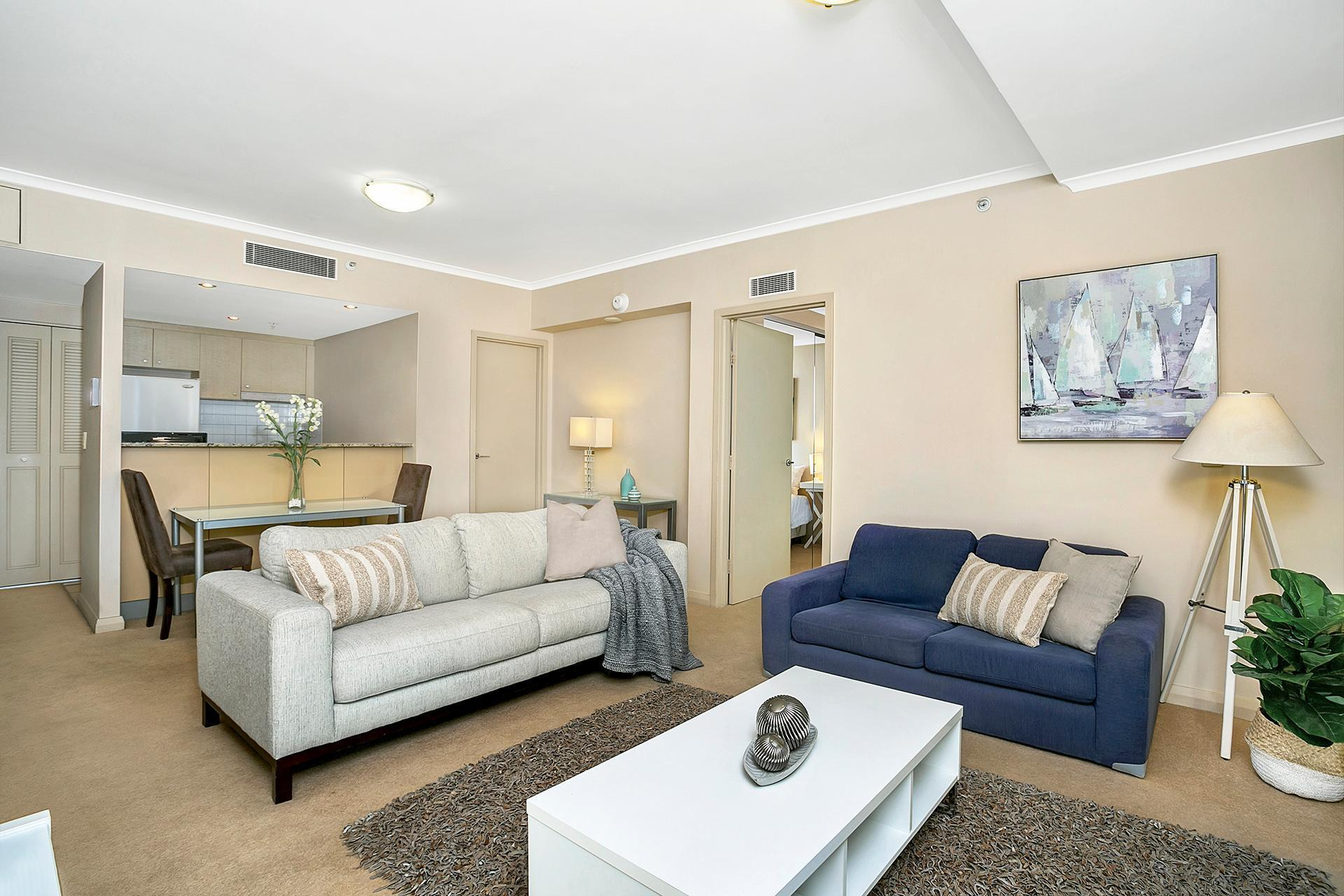 Light Filled Apartment Central Chatswood - HELP4