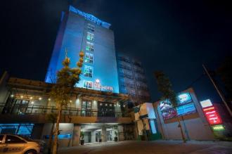Maple Hotel Grogol