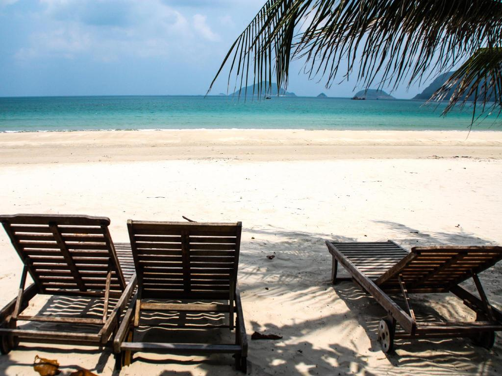Duc me con so long beach - See All 26 Photos