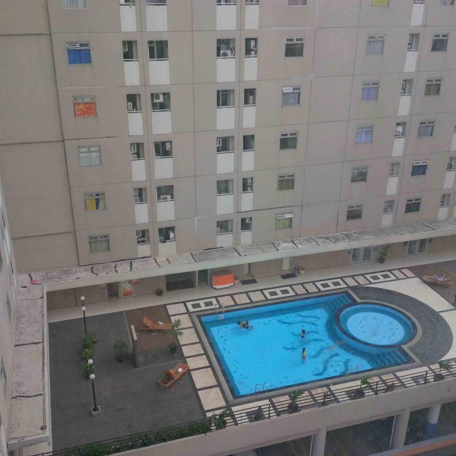 1BR Emerald Apartment Gading Nias - Pelita  1
