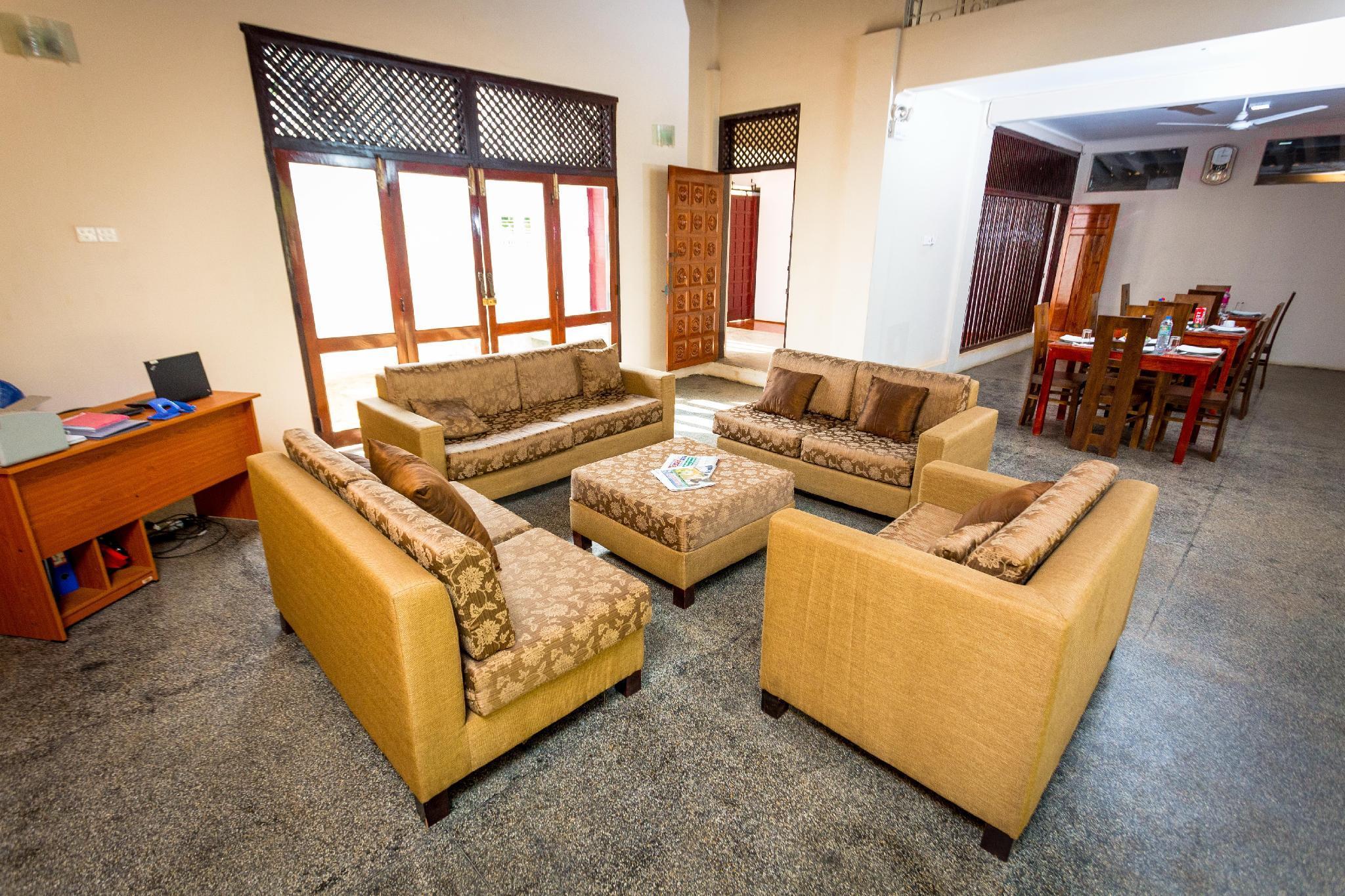 Dayanithi Guest House, Valikamam South