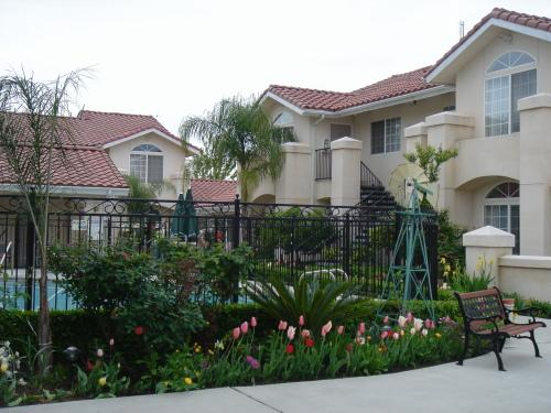 Garden Inn and Suites Fresno, Fresno