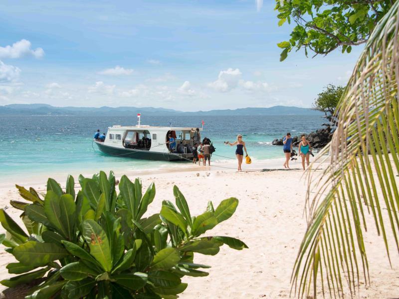 Murex Bangka Dive Resort, Minahasa Utara