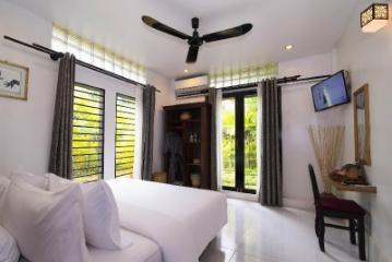 Enkosa 3-bedroom Modern Villa + pool & bar