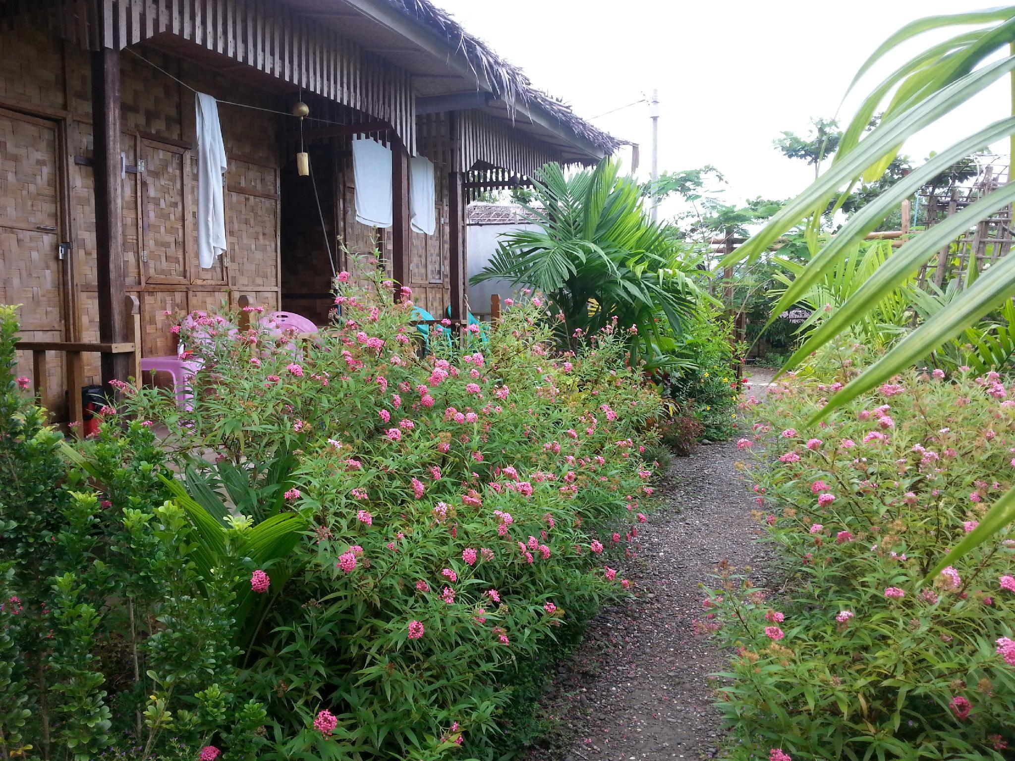 Ngwe Saung Garden Guest House, Bassein