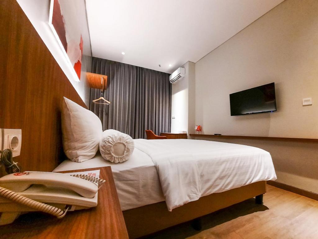 Fasilitas kamar Votel Krakatau Semarang
