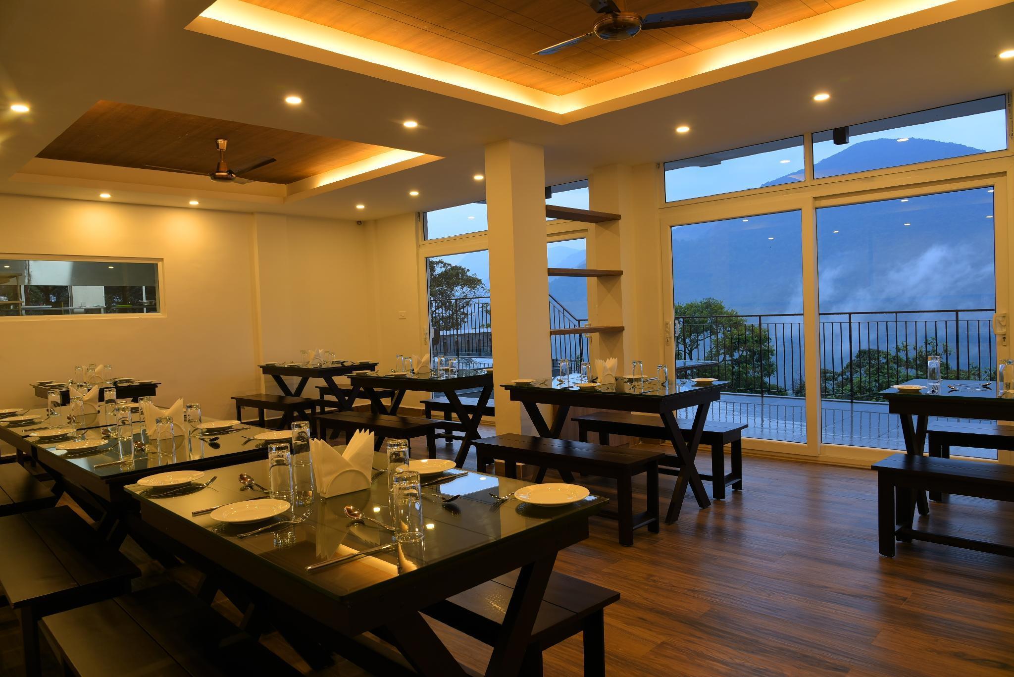 Shola Crown Resort, Theni