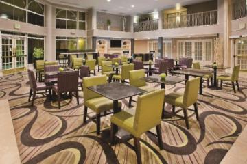 La Quinta Inn & Suites by Wyndham Tucson аэропорт