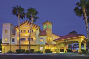 圖森機場拉金塔套房旅館