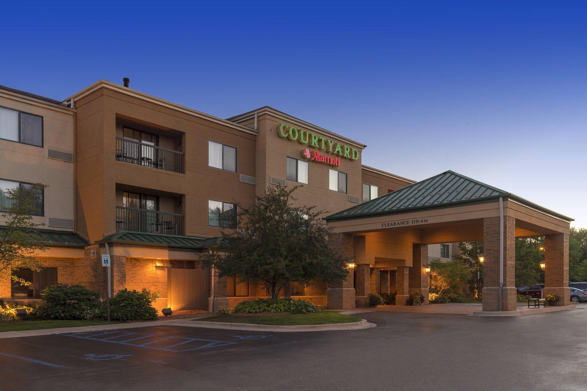 Courtyard by Marriott Traverse City, Grand Traverse