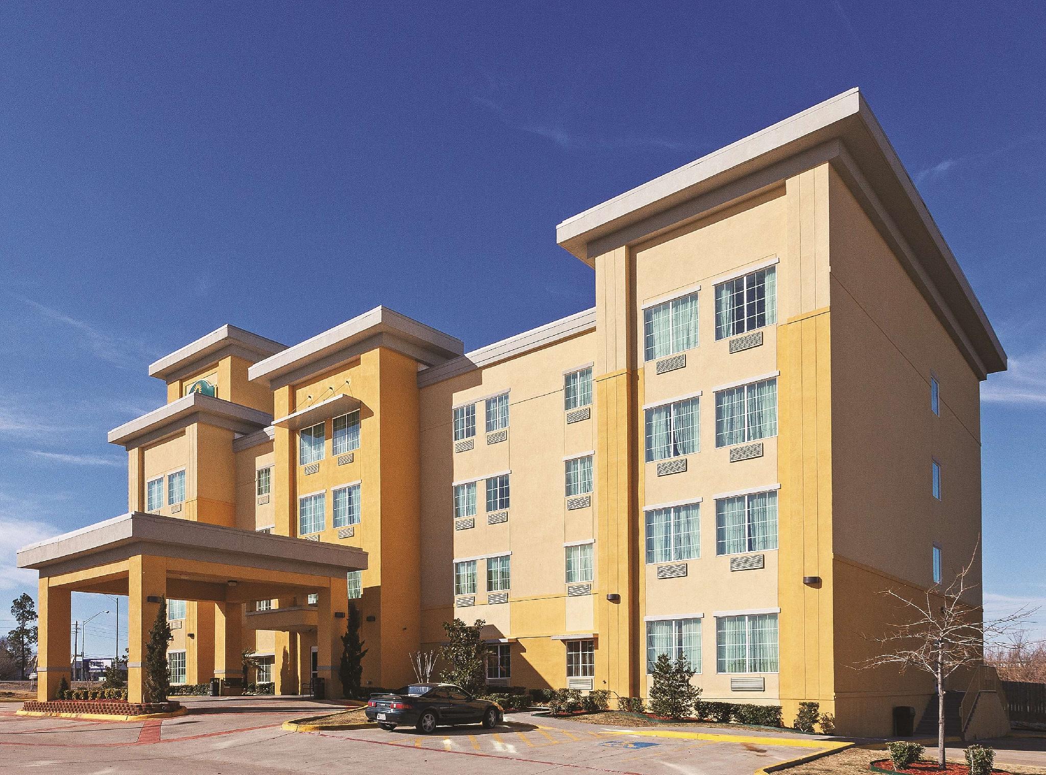 La Quinta Inn & Suites by Wyndham McAlester, Pittsburg