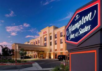 Hampton Inn & Suites Clovis Airport North