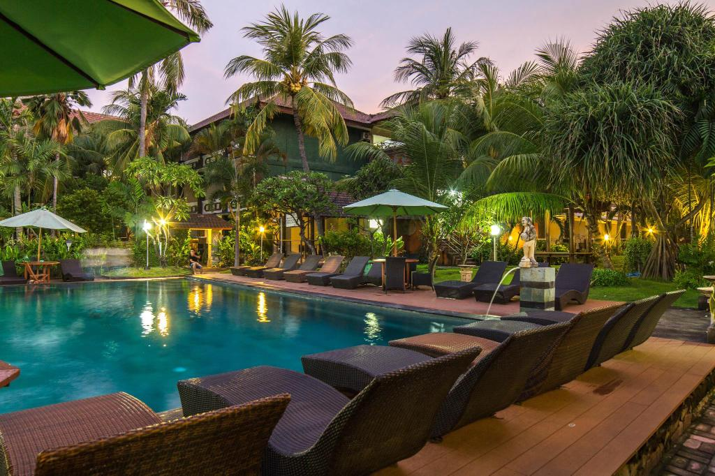 Best price on bakung beach resort in bali reviews for Best beach hotels in bali