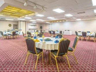 Days Inn Hotel & Conference Center - Meadville, Crawford