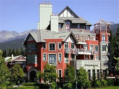The Alpenglow Lodge by ResortQuest Whistler