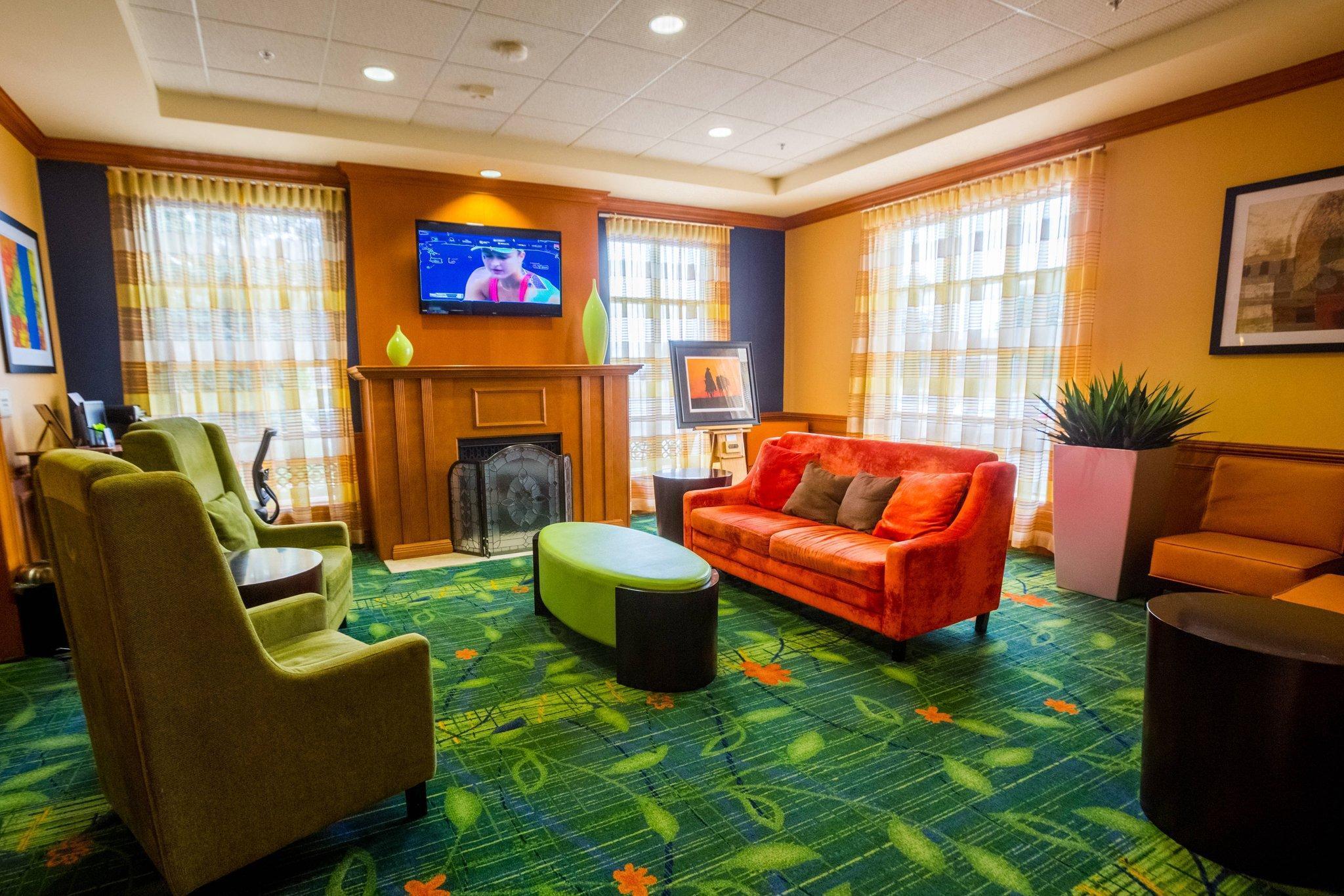 Fairfield Inn by Marriott Toronto Oakville, Halton