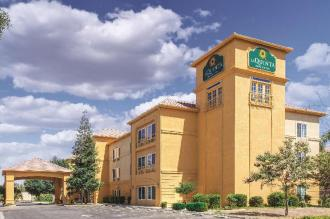 La Quinta Inn & Suites by Wyndham Bakersfield North