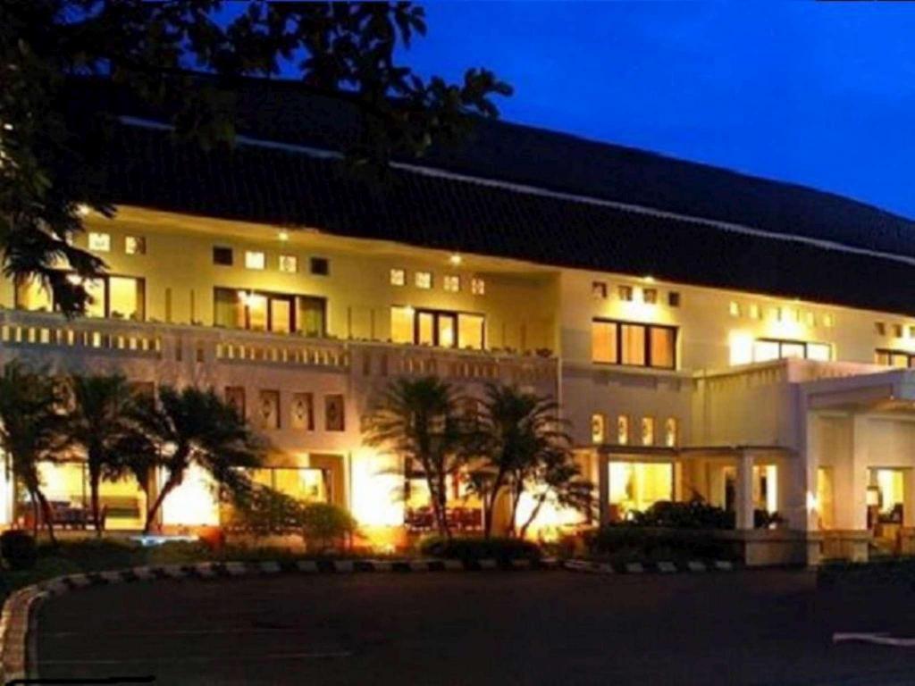 Best Price on Hotel Salak The Heritage in Bogor + Reviews