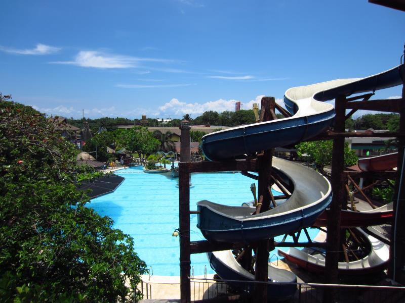 Caribbean Waterpark & Resotel, Bacolod City