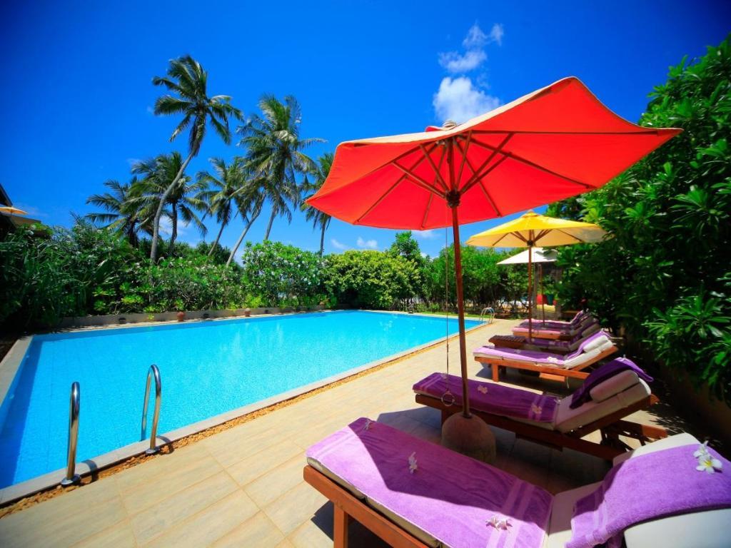 Best price on aditya resort in hikkaduwa reviews for Best boutique beach resorts