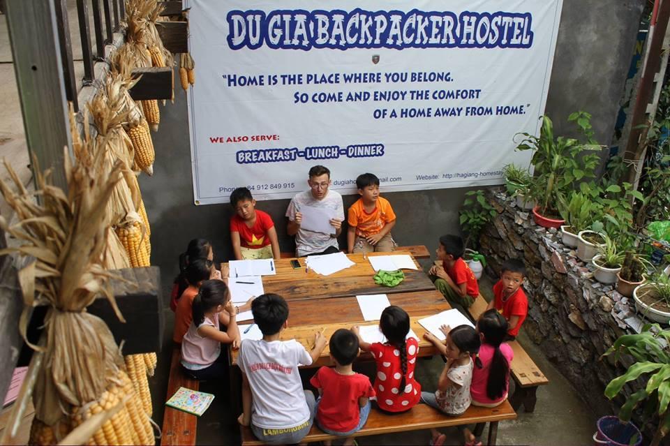 Du Gia Backpacker Hostel & Restaurant Coffee Bar, Yên Minh