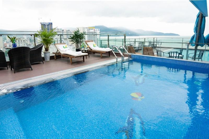 Khách sạn Dana Marina